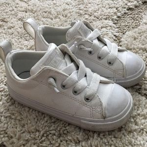 White converse toddler sneakers size 7